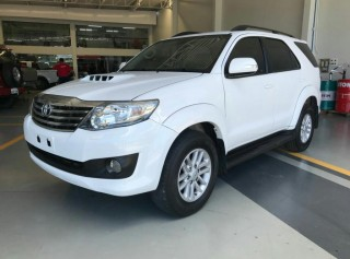 TOYOTA HILUX SW4 2013  3.0 SRV 4X4 7 LUGARES 16V TURBO INTERCOOLER DIESEL 4P AUTOMÁTICO - Carango 63153