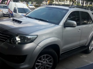 TOYOTA HILUX SW4 2013  3.0 SRV 4X4 7 LUGARES 16V TURBO INTERCOOLER DIESEL 4P AUTOMÁTICO - Carango 66881