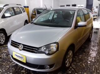 VOLKSWAGEN POLO SEDAN 2013 1.6 MI COMFORTLINE 8V TOTAL FLEX 4P MANUAL - Carango 66150