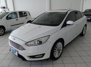 FORD FOCUS 2016 2.0 TITANIUM SEDAN 16V FLEX 4P POWERSHIFT - Carango 69052