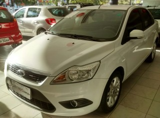 FORD FOCUS 2013  2.0 SE SEDAN AUTOMÁTICO  - Carango 70496