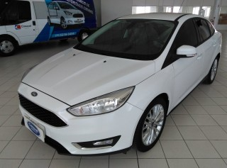 FORD FOCUS 2017  2.0 SE SEDAN AUTOMÁTICO  - Carango 71842
