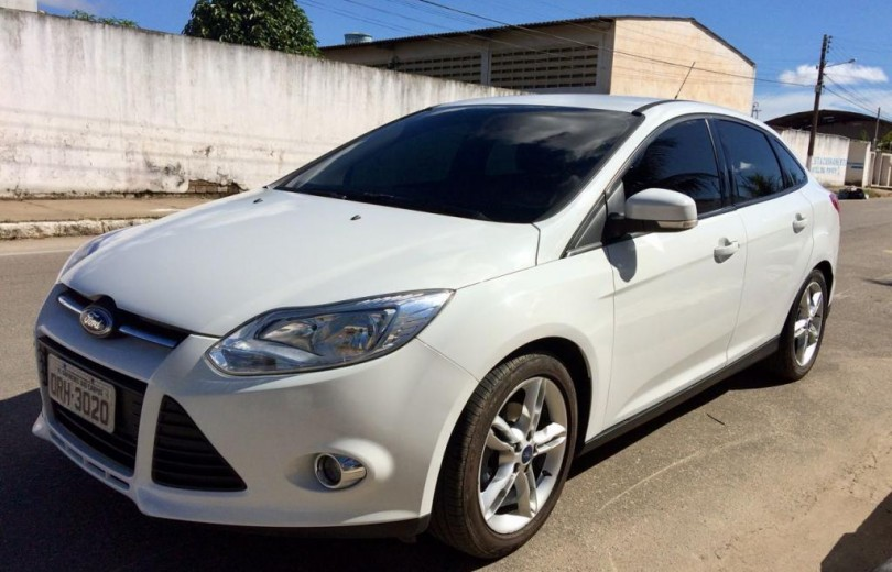 FORD FOCUS 2014 2.0 SE SEDAN 16V FLEX 4P POWERSHIFT AUTOMÁTICO - Carango 61763 - Foto 1
