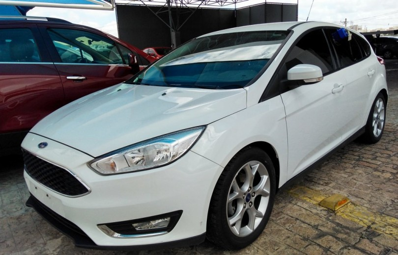 FORD FOCUS 2016 2.0 SE HATCH 16V FLEX 4P POWERSHIFT AUTOMÁTICO - Carango 67253 - Foto 1