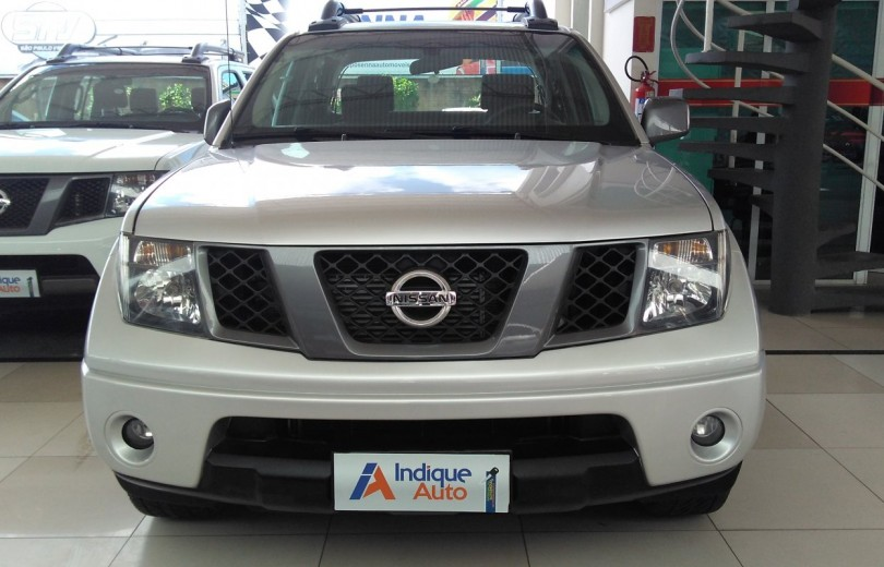 NISSAN FRONTIER 2013 2.5 SV ATTACK 10 ANOS 4X2 CD TURBO ELETRONIC DIESEL 4P MANUAL - Carango 67420 - Foto 2