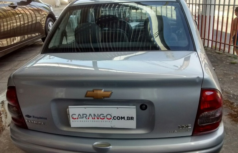 CHEVROLET CLASSIC 2009 1.0 MPFI SPIRIT 8V FLEXPOWER 4P MANUAL - Carango 70542 - Foto 4