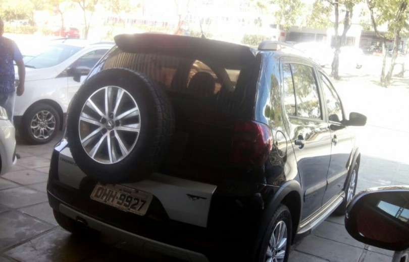 VOLKSWAGEN CROSSFOX 2014 1.6 MI 8V TOTAL FLEX 4P MANUAL - Carango 70516 - Foto 3