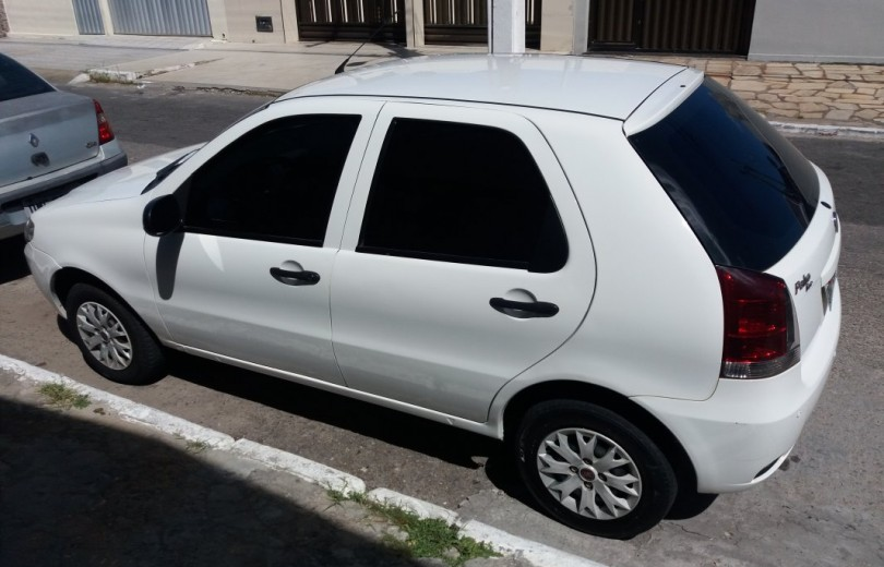 FIAT PALIO 2015 1.0 MPI ATTRACTIVE 8V FLEX 4P MANUAL - Carango 72490 - Foto 1