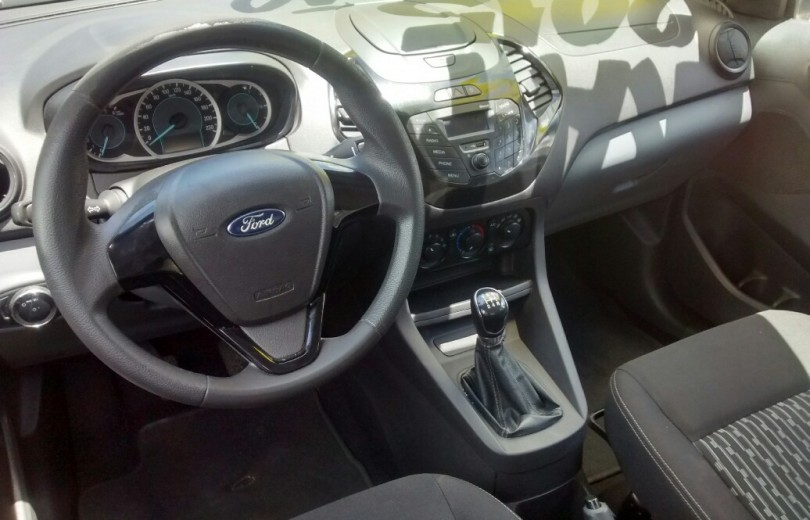 FORD KA MAIS 2015 1.5 SE 16V FLEX 4P MANUAL - Carango 72517 - Foto 6