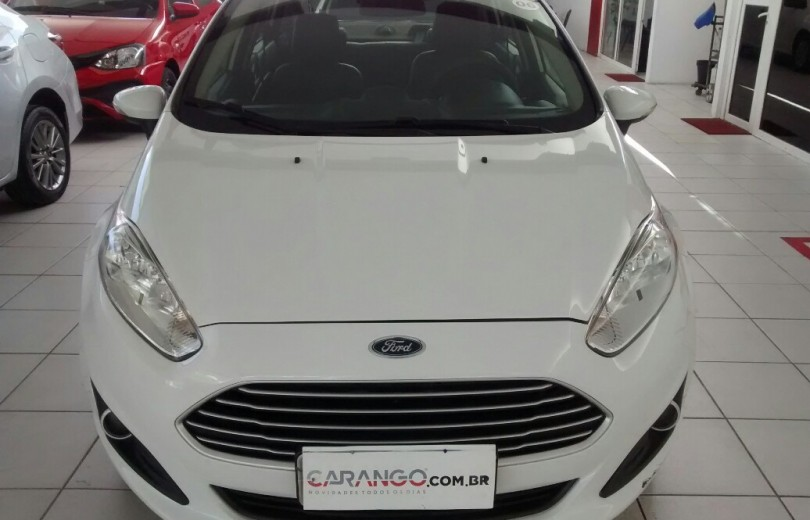 FORD NEW FIESTA 2015 1.6 SE SEDAN FLEX 4P MANUAL - Carango 72526 - Foto 2