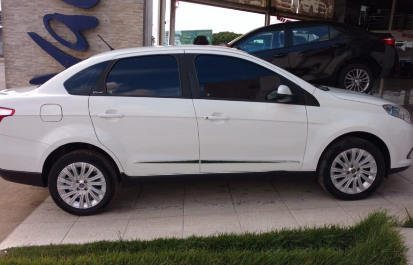 FIAT GRAND SIENA 2013 1.6 MPI ESSENCE 16V FLEX 4P MANUAL - Carango 73767 - Foto 3