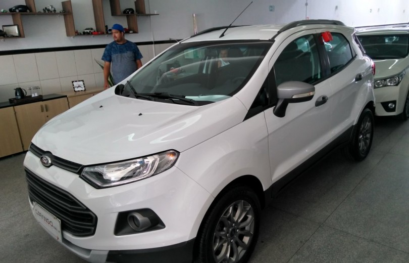 FORD ECOSPORT 2015 1.6 FREESTYLE 16V FLEX 4P MANUAL - Carango 73723 - Foto 1