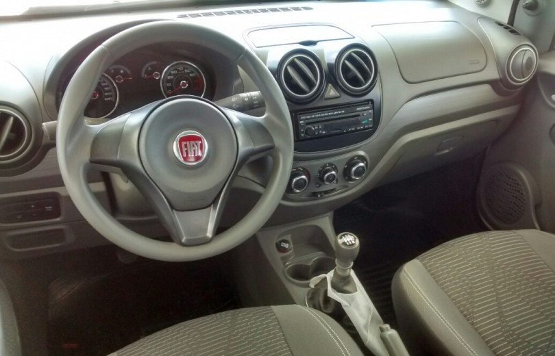 FIAT PALIO 2015 1.0 MPI ATTRACTIVE 8V FLEX 4P MANUAL - Carango 74618 - Foto 6