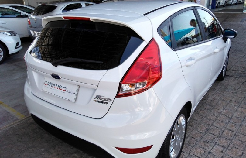 FORD NEW FIESTA 2015 1.5 HATCH 16V FLEX 4P - Carango 74613 - Foto 3