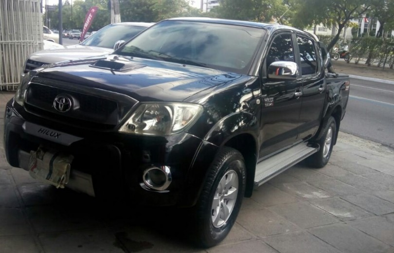 TOYOTA HILUX 2011  3.0 SRV 4X2 CD 16V TURBO INTERCOOLER DIESEL 4P MANUAL - Carango 74411 - Foto 1