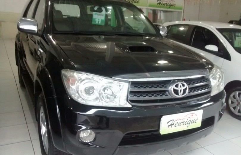 TOYOTA HILUX 2011  3.0 SRV 4X2 CD 16V TURBO INTERCOOLER DIESEL 4P MANUAL - Carango 74599 - Foto 2