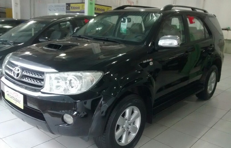 TOYOTA HILUX 2011  3.0 SRV 4X2 CD 16V TURBO INTERCOOLER DIESEL 4P MANUAL - Carango 74599 - Foto 1