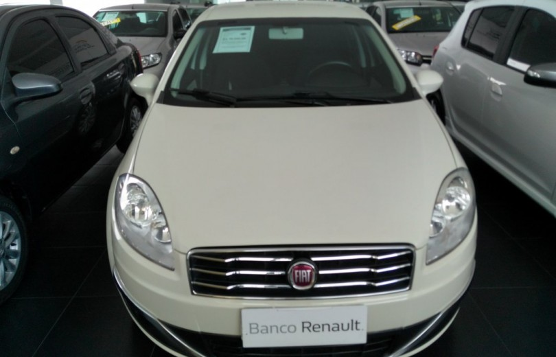 FIAT LINEA 2016 1.8 ESSENCE 16V FLEX 4P MANUAL - Carango 76563 - Foto 2