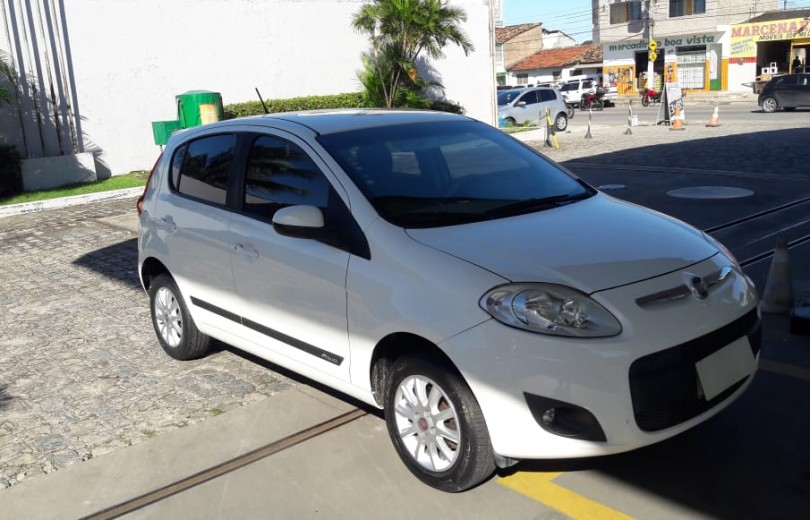 FIAT PALIO 2014 1.0 MPI ATTRACTIVE 8V FLEX 4P MANUAL - Carango 79407 - Foto 4