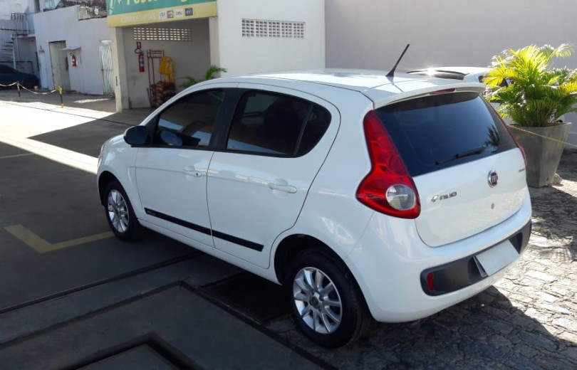 FIAT PALIO 2014 1.0 MPI ATTRACTIVE 8V FLEX 4P MANUAL - Carango 79407 - Foto 6