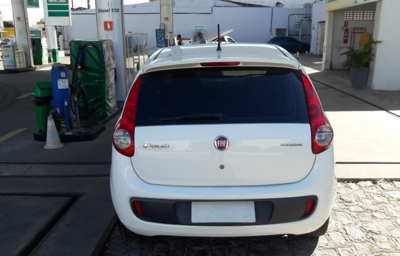 FIAT PALIO 2014 1.0 MPI ATTRACTIVE 8V FLEX 4P MANUAL - Carango 79407 - Foto 8