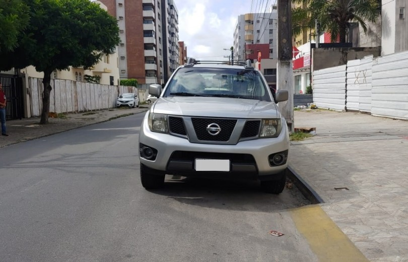 NISSAN FRONTIER 2013 2.5 SV ATTACK 4X4 CD TURBO ELETRONIC DIESEL 4P MANUAL - Carango 80398 - Foto 2