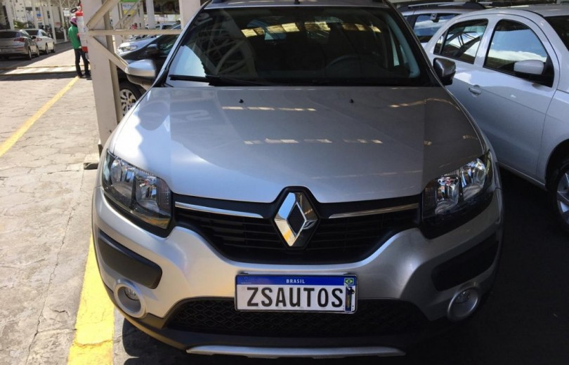 RENAULT SANDERO 2018  1.0 AUTHENTIQUE 4P FLEX  MANUAL  - Carango 81600 - Foto 2