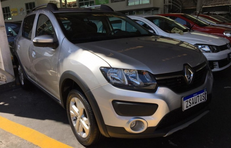 RENAULT SANDERO 2018  1.0 AUTHENTIQUE 4P FLEX  MANUAL  - Carango 81600 - Foto 4