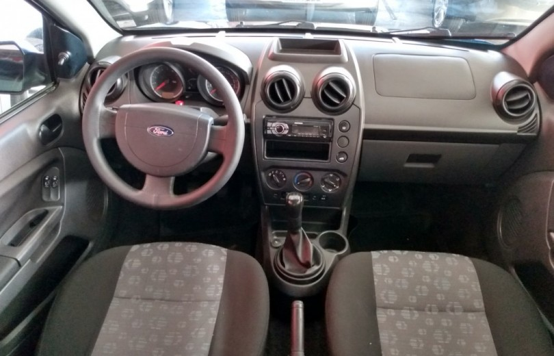 FORD FIESTA 2011 1.6 MPI CLASS 8V FLEX 4P MANUAL - Carango 82422 - Foto 6