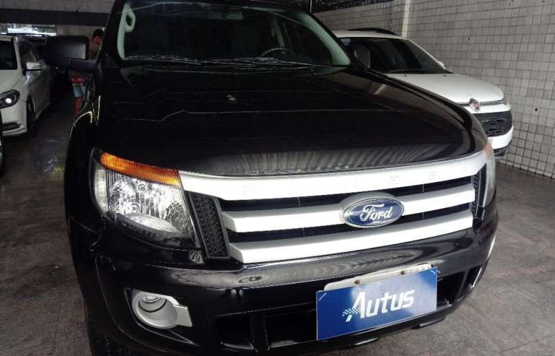 FORD RANGER 2013 2.5 XLS 4X2 CD 16V FLEX 4P MANUAL - Carango 83160 - Foto 2