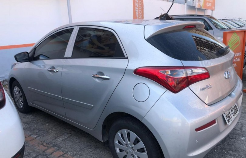HYUNDAI HB20 2018  1.0 UNIQUE 12V FLEX 4P MANUAL - Carango 82488 - Foto 8
