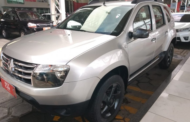 RENAULT DUSTER 2015 1.6 OUTDOOR 4X2 16V FLEX 4P MANUAL - Carango 82442 - Foto 8