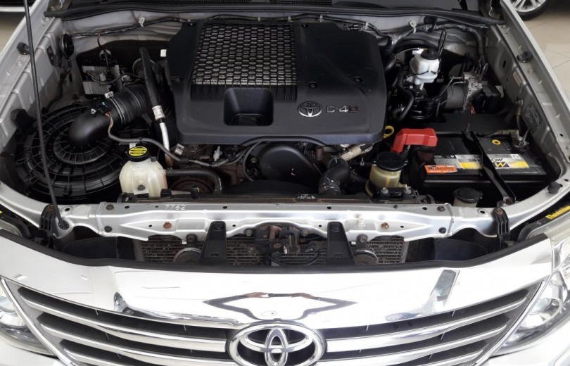TOYOTA HILUX 2013  3.0 SRV 4X2 CD 16V TURBO INTERCOOLER DIESEL 4P MANUAL - Carango 83458 - Foto 10