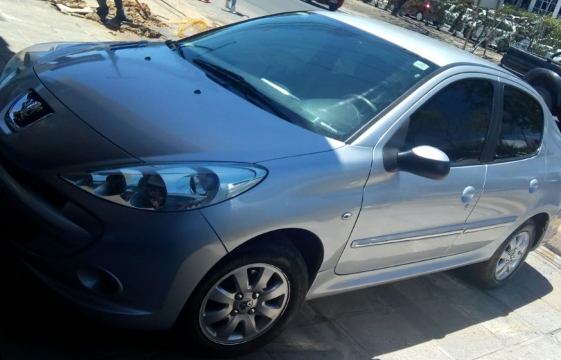 PEUGEOT 207 2013 1.4 XR PASSION 8V FLEX 4P MANUAL - Carango 84461 - Foto 1