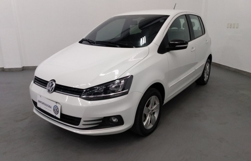 VOLKSWAGEN FOX 2018 1.6 FLEX CONNECT MB 4P MANUAL - Carango 84295 - Foto 1