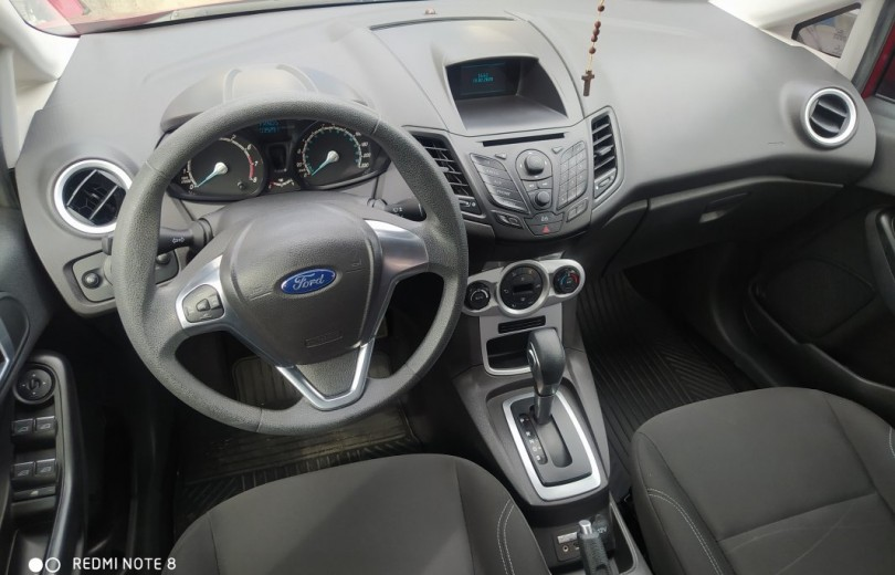 FORD NEW FIESTA 2016 1.6 SE HATCH 16V FLEX 4P POWERSHIFT - Carango 85631 - Foto 6