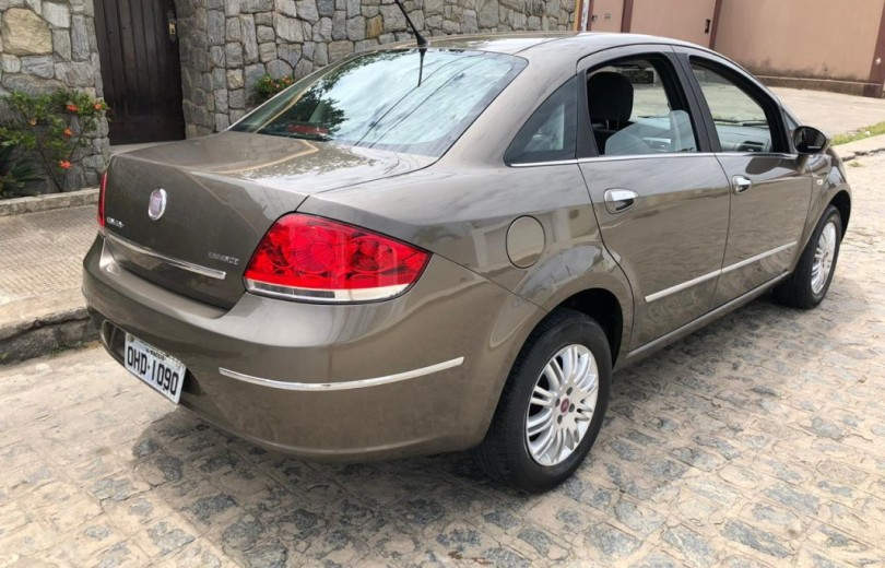 FIAT LINEA 2012 1.8 ESSENCE 16V FLEX 4P MANUAL - Carango 86619 - Foto 3