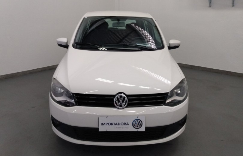 VOLKSWAGEN FOX 2014 1.6 MI 8V FLEX 4P MANUAL - Carango 86993 - Foto 2