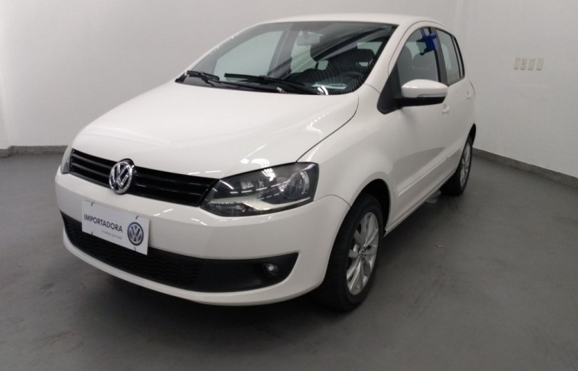 VOLKSWAGEN FOX 2014 1.6 MI 8V FLEX 4P MANUAL - Carango 86993 - Foto 1