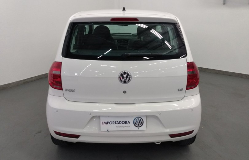 VOLKSWAGEN FOX 2014 1.6 MI 8V FLEX 4P MANUAL - Carango 86993 - Foto 4