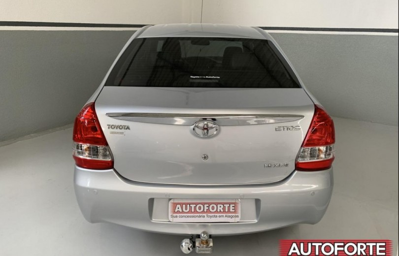 TOYOTA ETIOS 2016 1.5 XLS SEDAN 16V FLEX 4P MANUAL - Carango 87265 - Foto 4