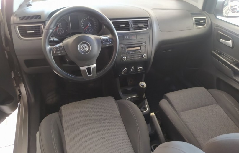 VOLKSWAGEN SPACEFOX 2013 1.6 MI TREND 8V TOTAL FLEX 4P MANUAL - Carango 89270 - Foto 6