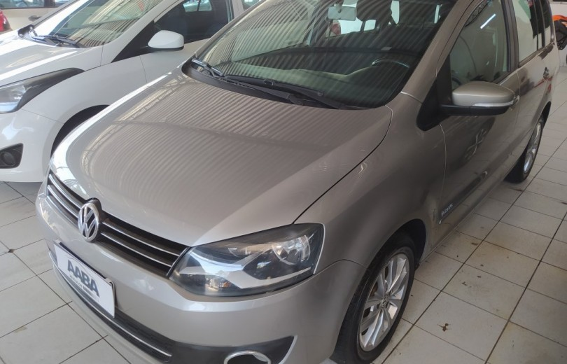 VOLKSWAGEN SPACEFOX 2013 1.6 MI TREND 8V TOTAL FLEX 4P MANUAL - Carango 89270 - Foto 1
