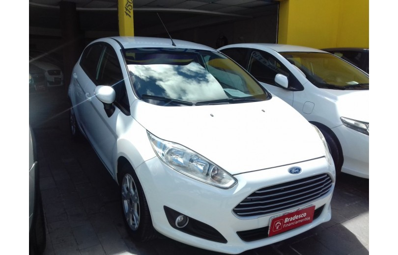 FORD NEW FIESTA 2015 1.6 SE HATCH 16V FLEX 4P POWERSHIFT - Carango 65486 - Foto 2