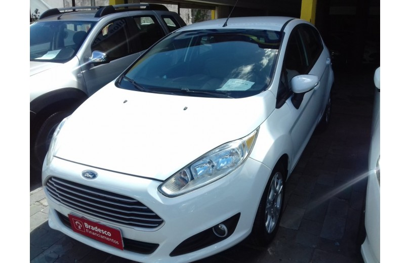 FORD NEW FIESTA 2015 1.6 SE HATCH 16V FLEX 4P POWERSHIFT - Carango 65486 - Foto 1
