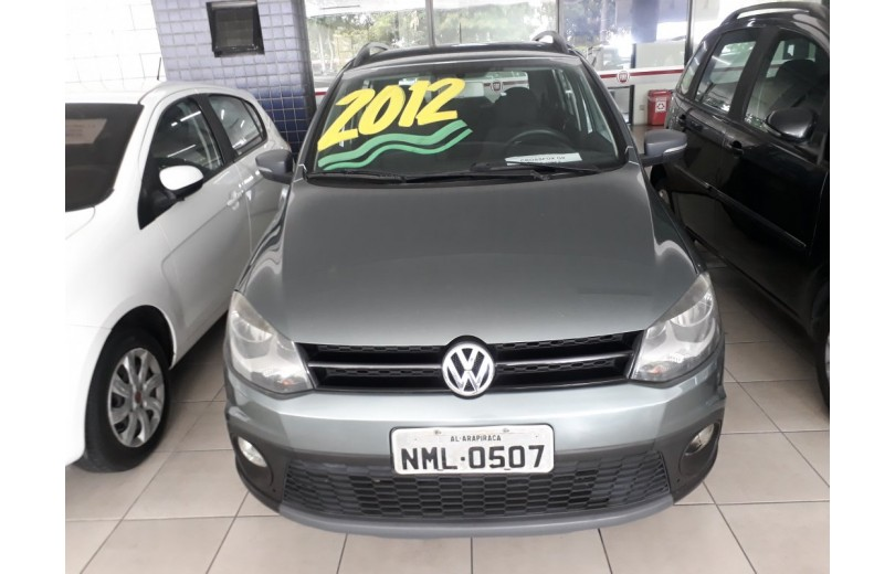 VOLKSWAGEN CROSSFOX 2012 1.6 MI 8V TOTAL FLEX 4P MANUAL - Carango 66332 - Foto 2