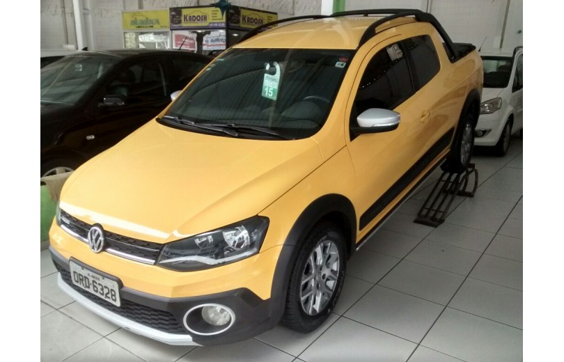 VOLKSWAGEN SAVEIRO 2015 1.6 CROSS CD 16V TOTAL FLEX 2P MANUAL - Carango 68184 - Foto 1