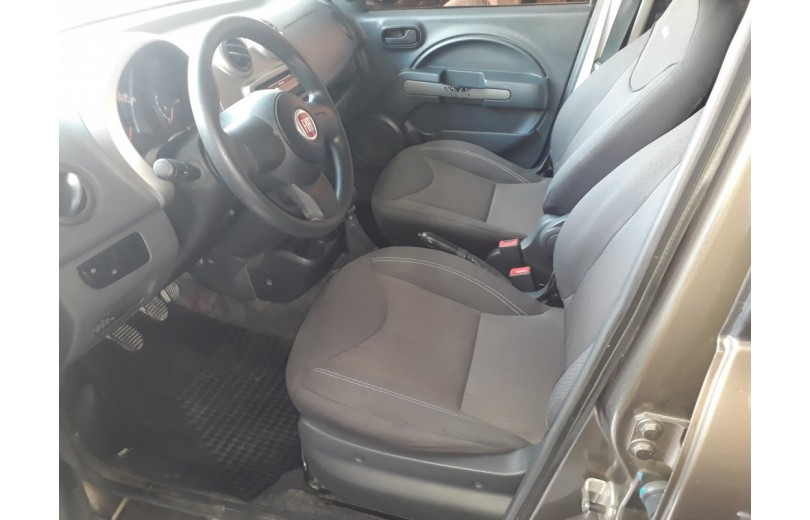 FIAT UNO 2013 1.0 WAY CELEBRATION 8V FLEX 4P MANUAL - Carango 69666 - Foto 8