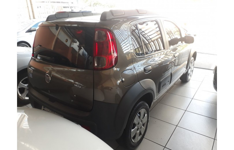 FIAT UNO 2013 1.0 WAY CELEBRATION 8V FLEX 4P MANUAL - Carango 69666 - Foto 3