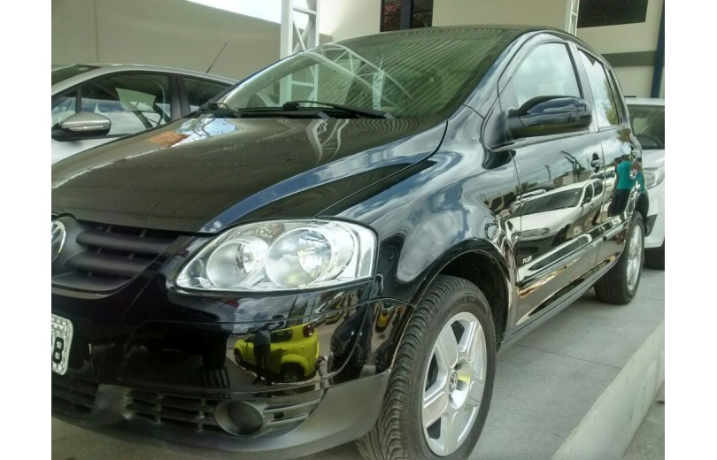 VOLKSWAGEN FOX 2010 1.6 MI PLUS 8V TOTAL FLEX 4P MANUAL - Carango 69655 - Foto 1